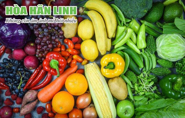 Tăng cường trái cây, rau quả giúp chữa bệnh ra nhiều mồ hôi ở mặt hiệu quả